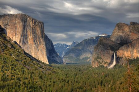 tunnel view: Yosemite National Park - Tunnel View Stock Photo