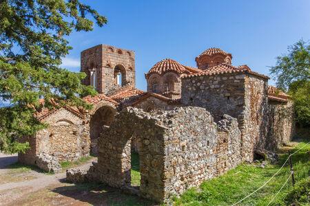 peloponnes: Byzantine church in medieval city of Mystras, Peloponnes, Greece