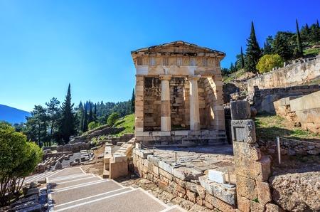 treasure of Athenians in Ancient Delphi, Greece Standard-Bild