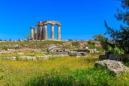 polis: Apollo temple ruins in Ancient Corinth, Peloponnes