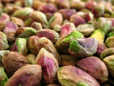Vista cercana de los frutos secos sin sal verde pistacho.