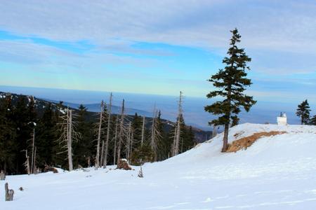 lluvia acida: Snowy Pass Karkonoska seen from the hostel Revival to the Polish-Czech border