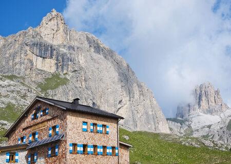 fassa: Roda di vael refuge in Dolomites, Val di Fassa, Italy
