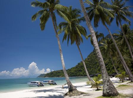 angthong: Beach in Angthong marine park close to Koh Samui, Thailand