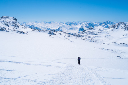 alpinist: Ski alpinist skiing on the high mountans of Val Thorens, France