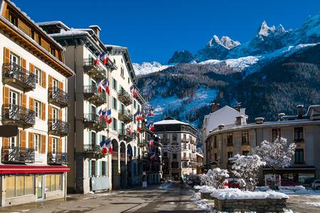 Place de l'Eglise in downtown Chamonix, France Reklamní fotografie