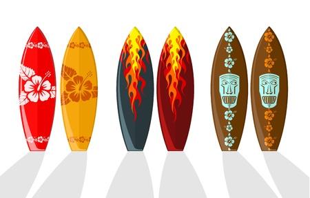 Tavole da surf con i modelli hawaiano e fiamme