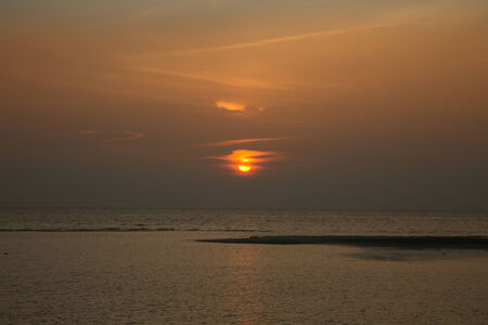 koh: Beautiful tropical sunset over the sea, low tide