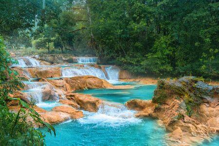 Cascadas de Agua Azul Wasserfälle. Agua Azul. Yucatan. Mexiko