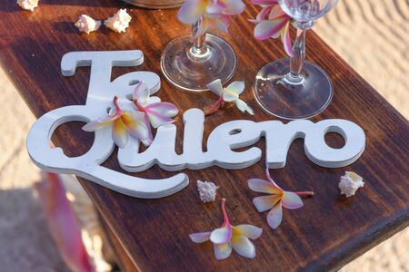 Te quiero. I love you in Spanish language. Close-up, up view, soft focus Banco de Imagens
