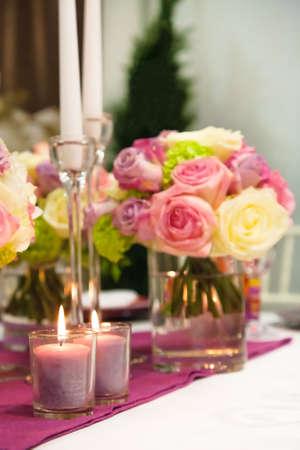 Mesas decoradas para una fiesta o recepci�n de boda Foto de archivo - 20470504