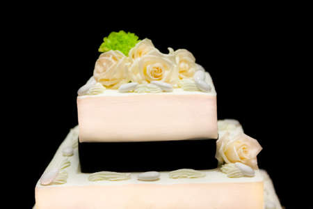 nuptial: beautiful white nuptial cake with roses