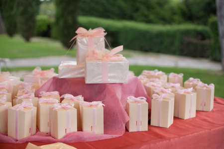 beautiful wedding gift for guest