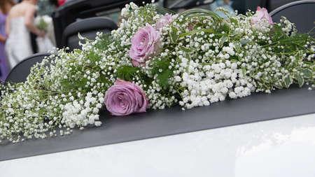 beautiful flowers for wedding car