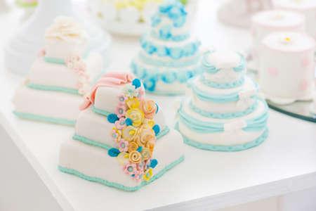 boda pastel: floral blanco pastel de bodas