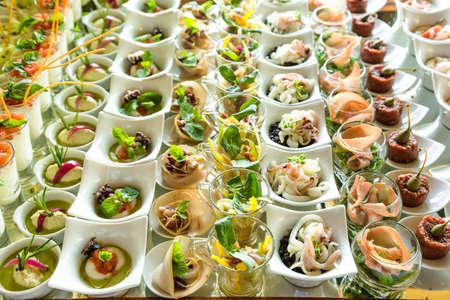 gourmet food: variedad Aperitivos y canap�s Foto de archivo