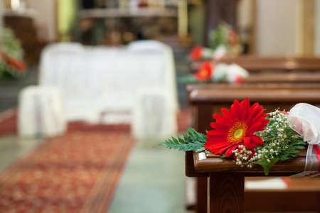 Beautiful flower wedding decoration in a church photo voltagebd Gallery