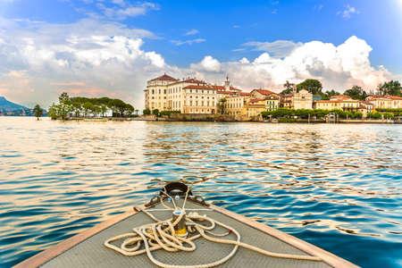 bella: Landscape with Isola Bella, Island on Maggiore lake, Stresa, Italy