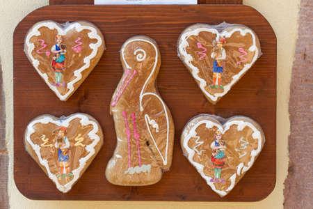 Viele Weihnachtslebkuchen im Elsass, Frankreich.