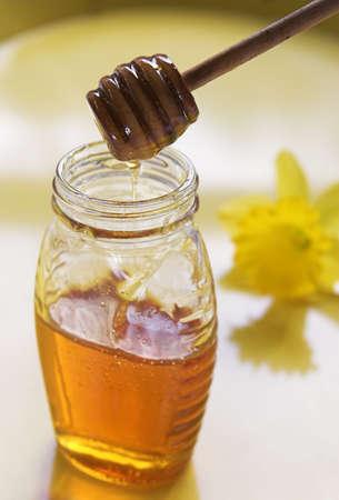 蜂蜜とスプーン
