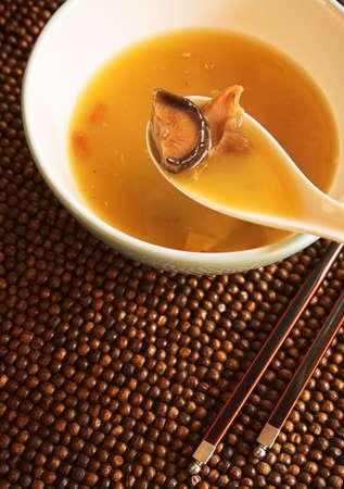 中国の鮫のひれスープ
