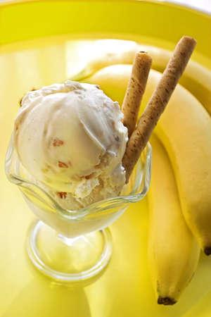 バナナとアイスクリーム 写真素材