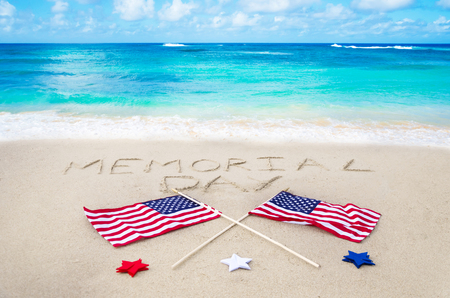 Memorial day background on the sandy beach near ocean 版權商用圖片 - 27299300
