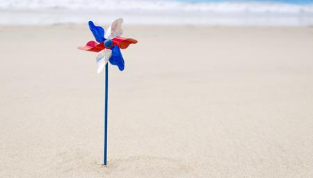 砂浜のビーチでの装飾と愛国心が強いアメリカの背景 写真素材