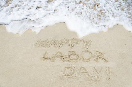 바다 근처 모래 해변에 노동 일 배경 스톡 콘텐츠