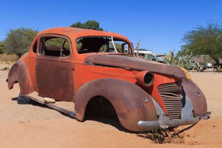 abandoned car: Coche abandonado desde Solitario, Namibia