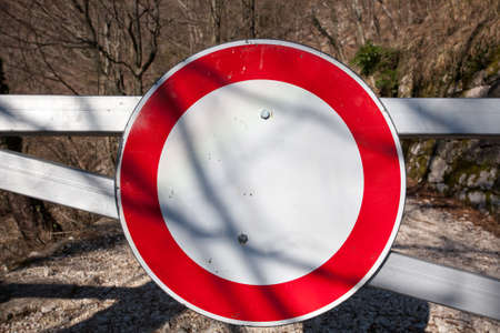 no way out: Stop signal on a fence, along a trekking path