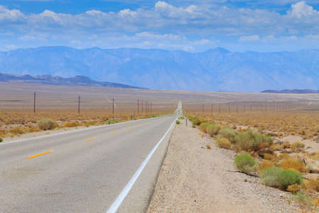 Perspective road from death valley national park, California, USA Imagens