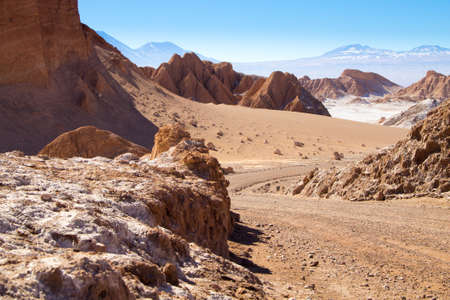 Chilean landscape, dirt road on Valley of the Moon. Chile panorama Reklamní fotografie