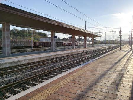 Train tracks perspective view. Transportation mode. Redakční