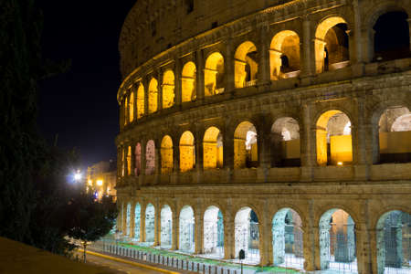 Colosseum night view, Rome landmark, Italy. Colosseo, Roma Imagens