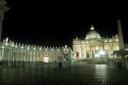 Saint Peter basilica night scene, Vatican city, Rome, Italy Archivio Fotografico