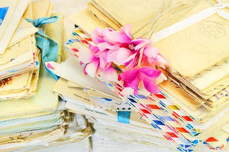 cartas antiguas: Flores artificiales de la vendimia en viejas cartas