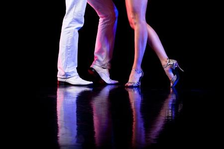 bailarines de salsa: Pies de baile Foto de archivo