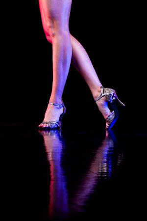 pies bailando: Pies de baile Foto de archivo