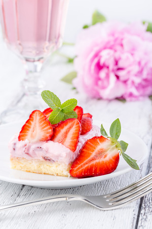Strawberry cake with rose wine or pink lemonade