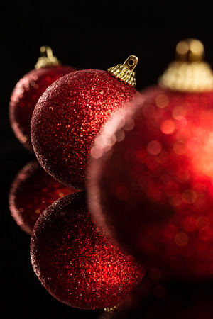 Natale rosso Bauble. Profondit� di campo.