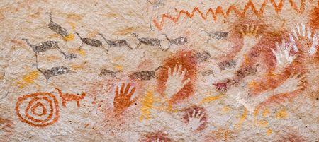 pintura rupestre: Antiguas pinturas rupestres en la Patagonia, sur de Argentina  Foto de archivo