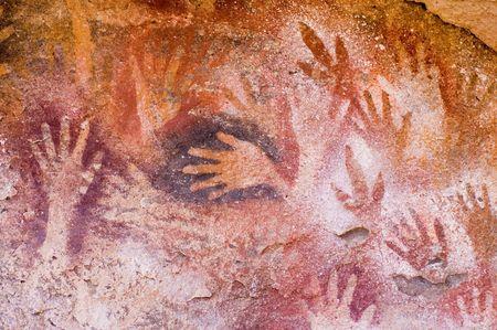 pintura rupestre: Antiguas pinturas rupestres en la Patagonia, sur de Argentina.  Foto de archivo