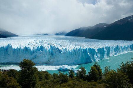 perito: View of the magnificent Perito Moreno glacier, patagonia, Argentina.
