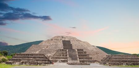 Oude stad ofTeotihuacan, piramide van de maan, Mexico. Stockfoto