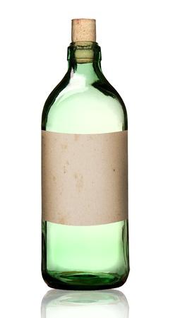 veneno frasco: Antigua botella de drogas de moda con etiqueta, camino aislado, recorte.