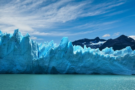 ペリトモレノ氷河、パタゴニア、アルゼンチン。スペースをコピーします。