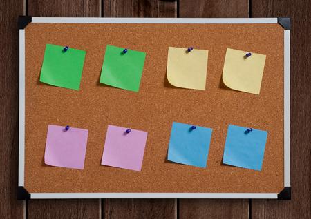 note board: note papers on cork board