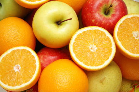 Apple and oranges at the market stand Stock Photo - 663013