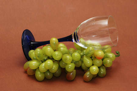 Cluster of green grapes and wine  glass  Stock Photo - 846708